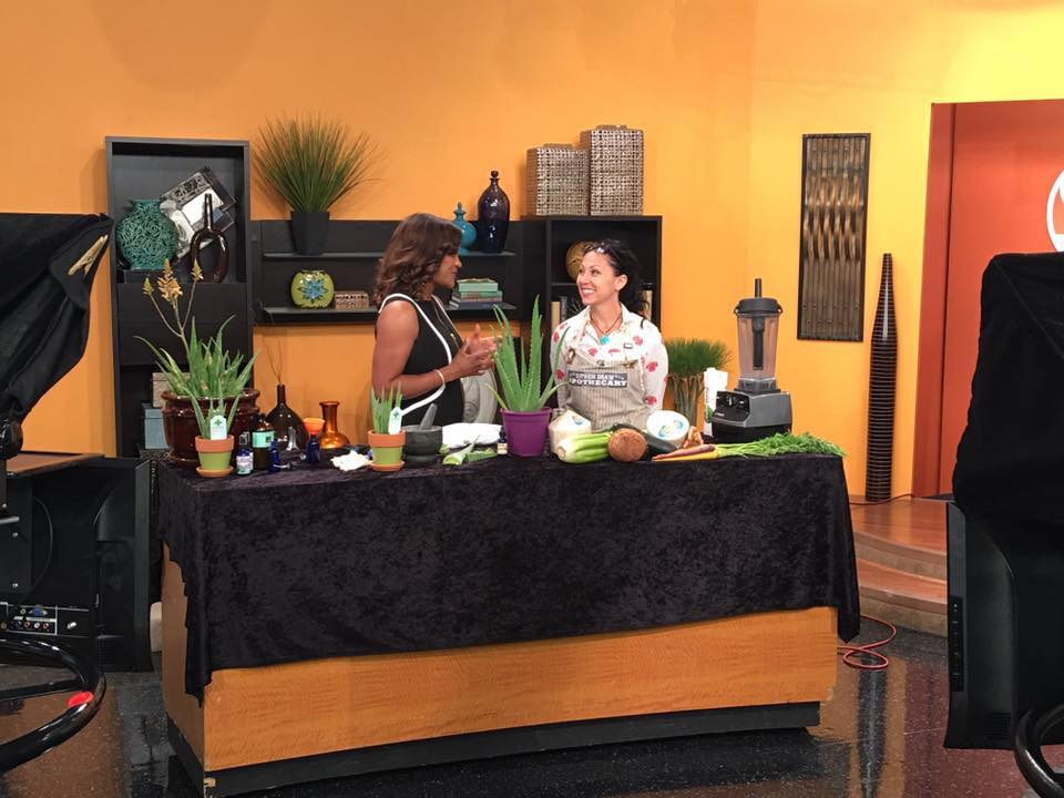 On set Sonoran Living Smoothie and Aloe